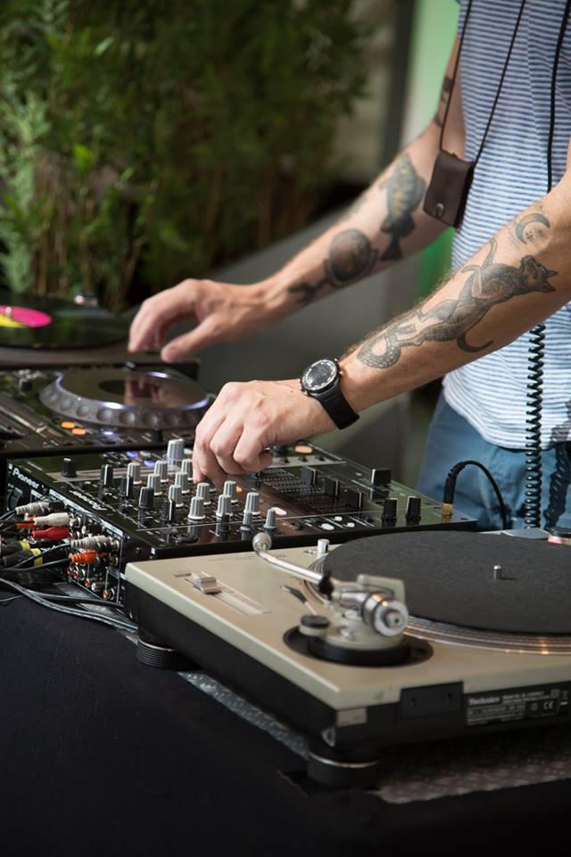 hyra DJ